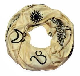 scarf_leo