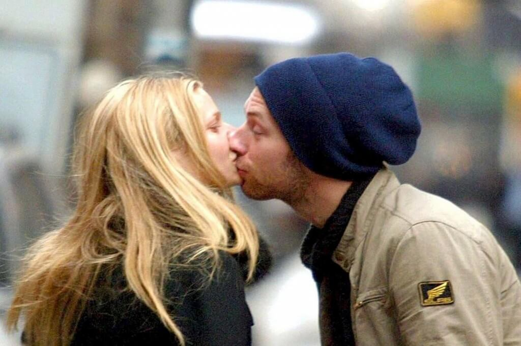 """The """"quincunx kiss,"""" after the honeymoon phase."""