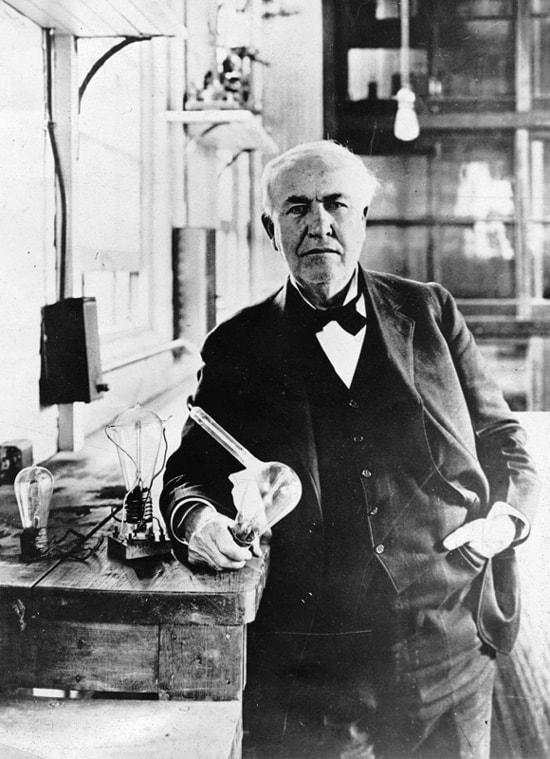 Thomas_Edison-Lightbulb