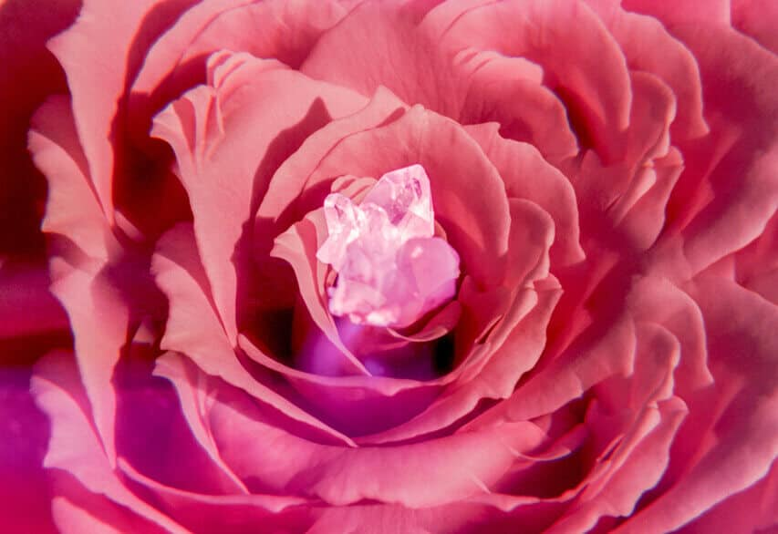 2020 Libra Full Moon pink supermoon astrology article by the astrotwins for astrostyle.com